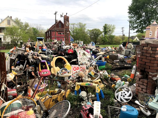 Graveyard of trash in Detroit Michigan thumbnail