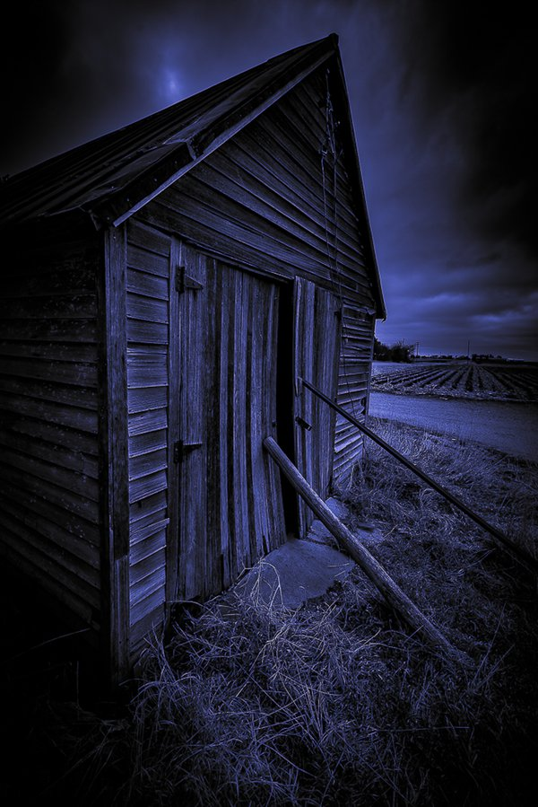 B&W of Pioneer  Rustic  Nebraska Barn. thumbnail