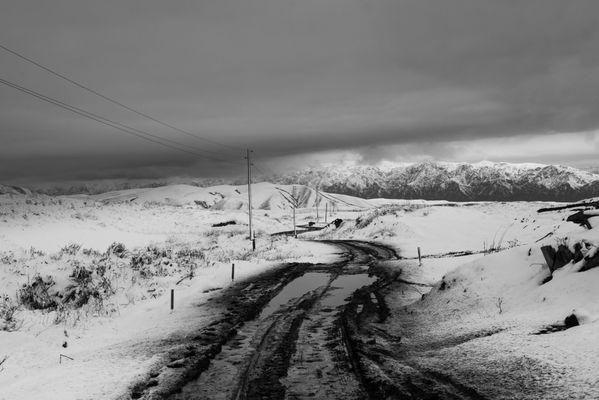 Winding road to Saty thumbnail