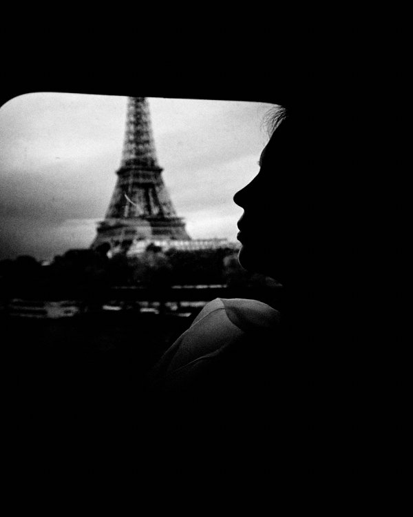 Eiffel Tower and silhouette thumbnail