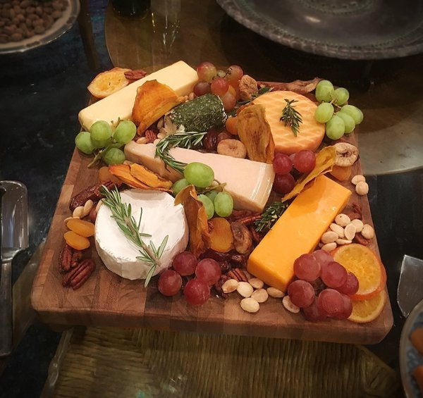 Cheese and Fruit Platter Offered at Thanksgiving thumbnail