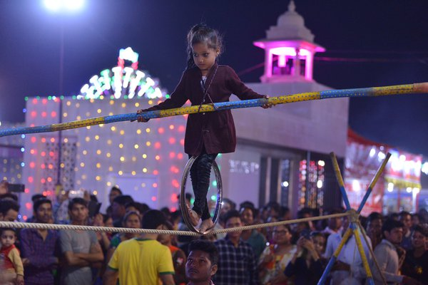 a small girl slackline in mela dussehra thumbnail