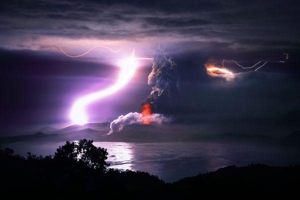 Taal Volcano Eruption thumbnail