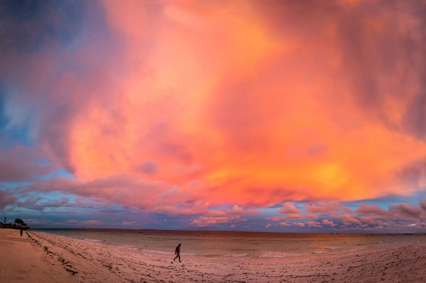 Sunrise in Zanzibar thumbnail