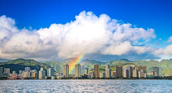 Rainbow over Waikiki thumbnail