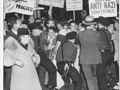 Anti-Nazi protest outside Deutsches Haus, Aug. 1938