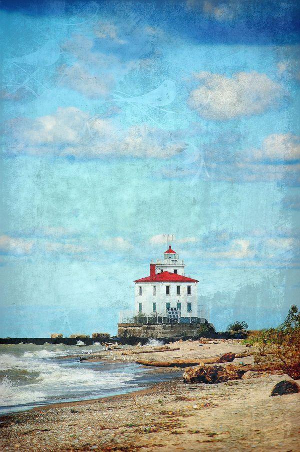 Fairport Harbor West Breakwater Lighthouse thumbnail