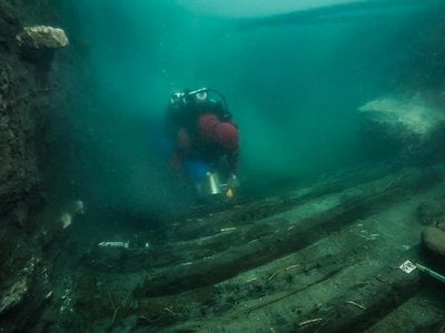 An Egyptian-French mission found the 80-foot-long ship beneath roughly 16 feet of hard clay.