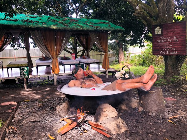 "A ""kawa"" (cauldron) hot bath - Human Edition. thumbnail"