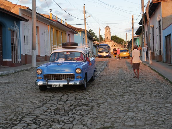 Everyday life in the little Cuban town of Trinidad thumbnail