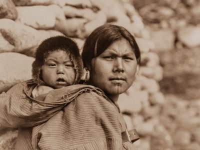 Edward Sherriff Curtis, Diomede Mother and Child