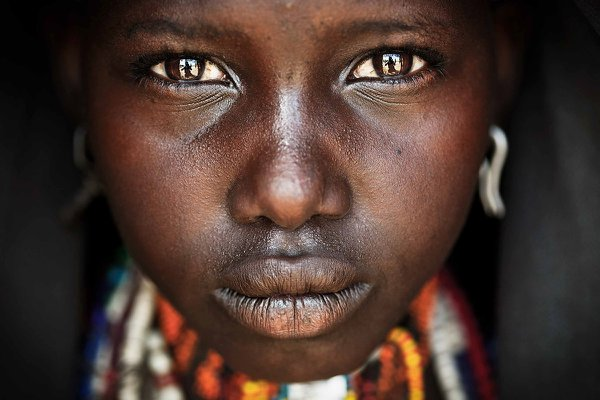 A girl from Arbore Tribe, Ommo Valley, Ethiopia thumbnail