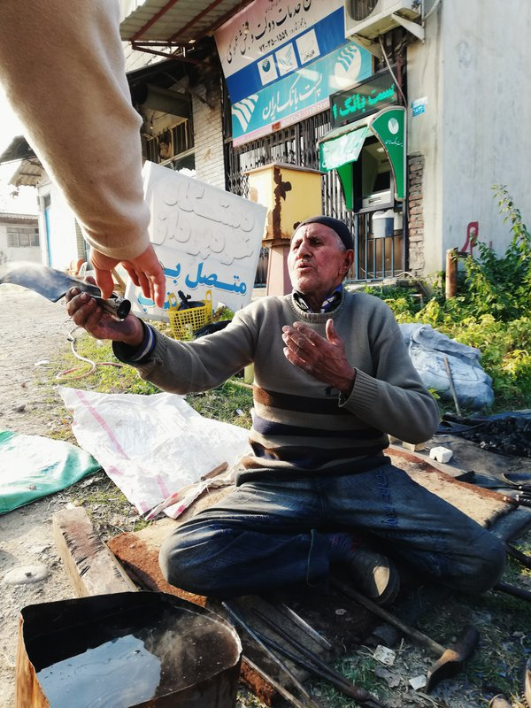 The last Iranian street blacksmith thumbnail