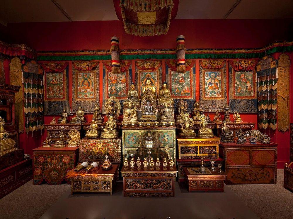 2010 image of Tibetan shrine[1].jpg