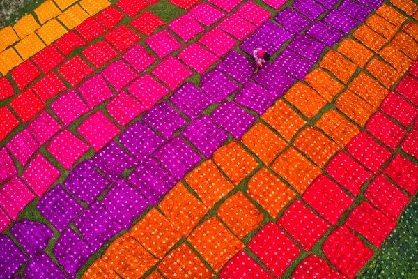 Drying colorful cloth thumbnail