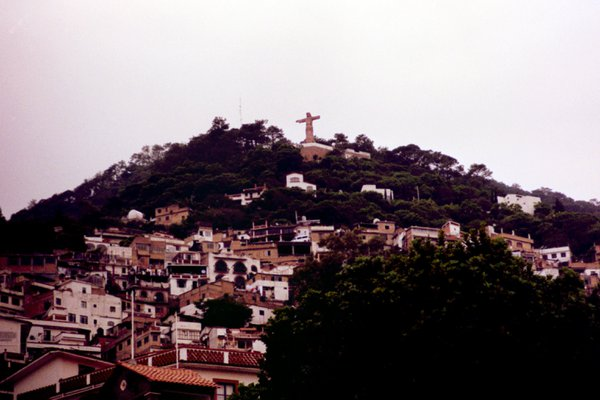 Christ the Redeemer and his appearance in Turtle Island, Mexico. thumbnail