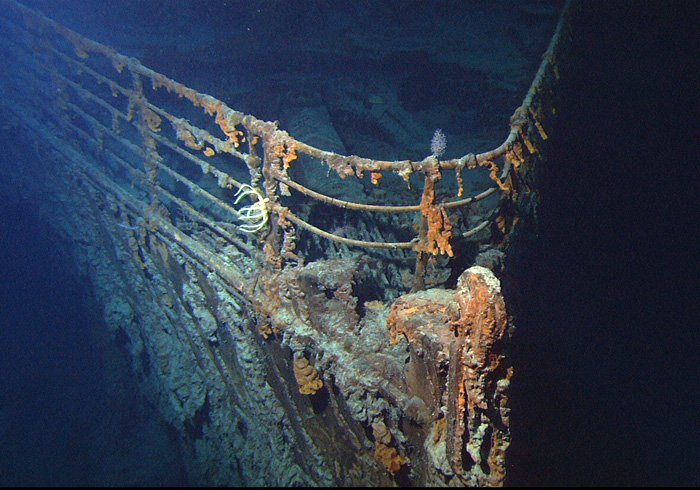 Titanic_wreck_bow.jpg