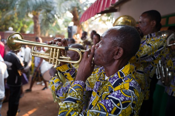 Trompettiste congolais thumbnail