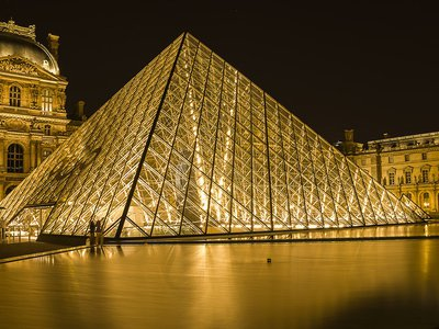 The Louvre Pyramid was completed in 1989 and is part of the entrance to the modern Louvre art gallery.