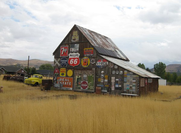 Old Barn with signs of Americana thumbnail