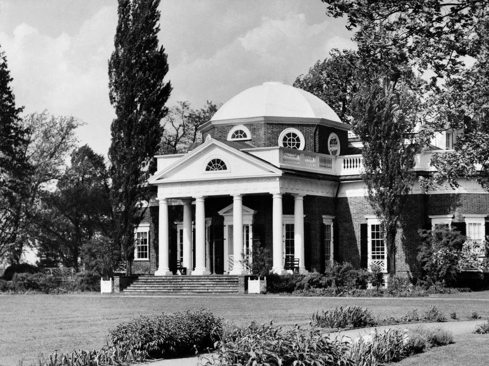 b&w Monticello