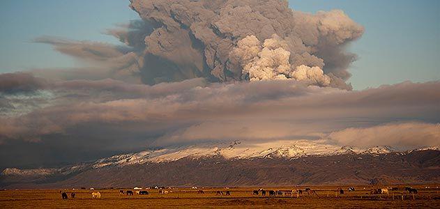 Eyjafjallajoekull volcano erupting