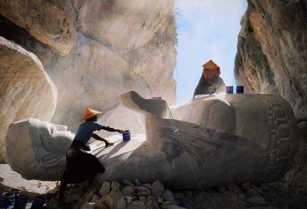 Art of white stones thumbnail