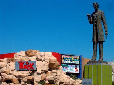 Abraham Lincoln Rocks in Tijuana