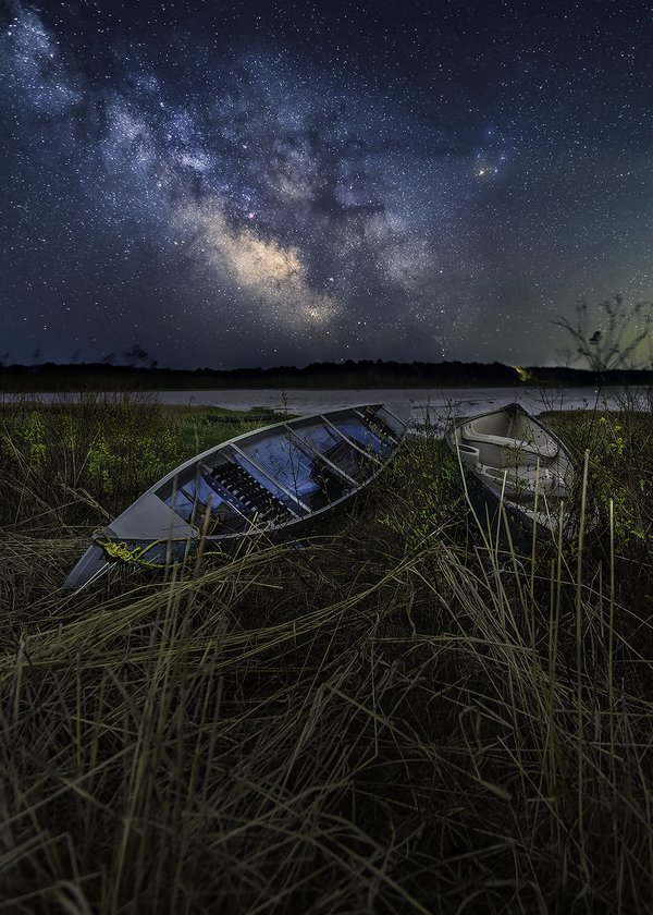 A tale of two canoes under the Milkyway thumbnail