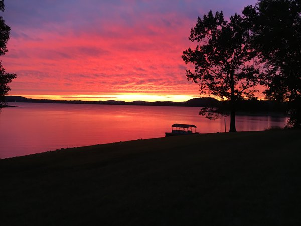Pink Sunset on Cherokee Lake thumbnail