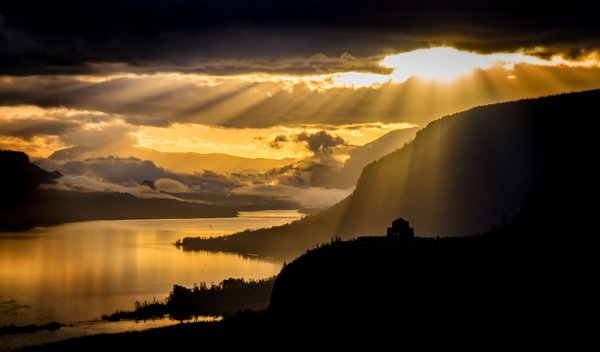 Sunrise Over Crown Point on the Columbia River  thumbnail
