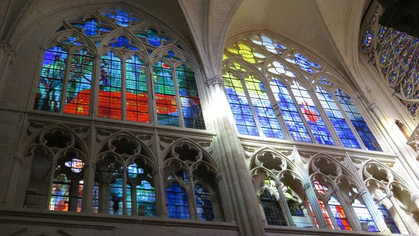 Painted windows of Tours Cathedral thumbnail