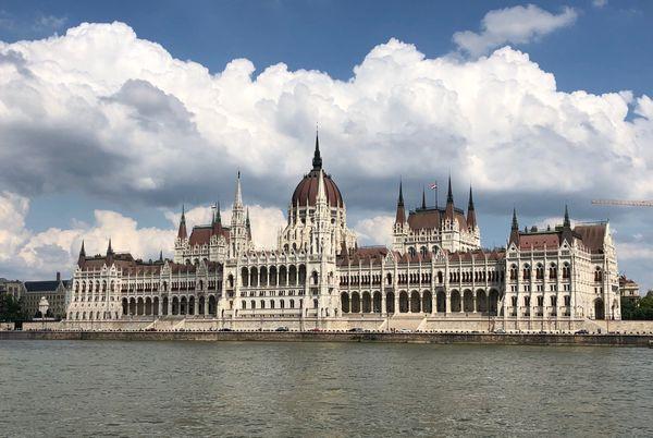 Hungarian Parliament thumbnail