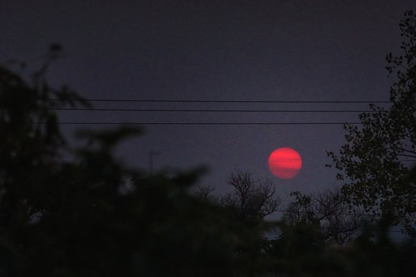 Red Sun in Smokey Sky thumbnail