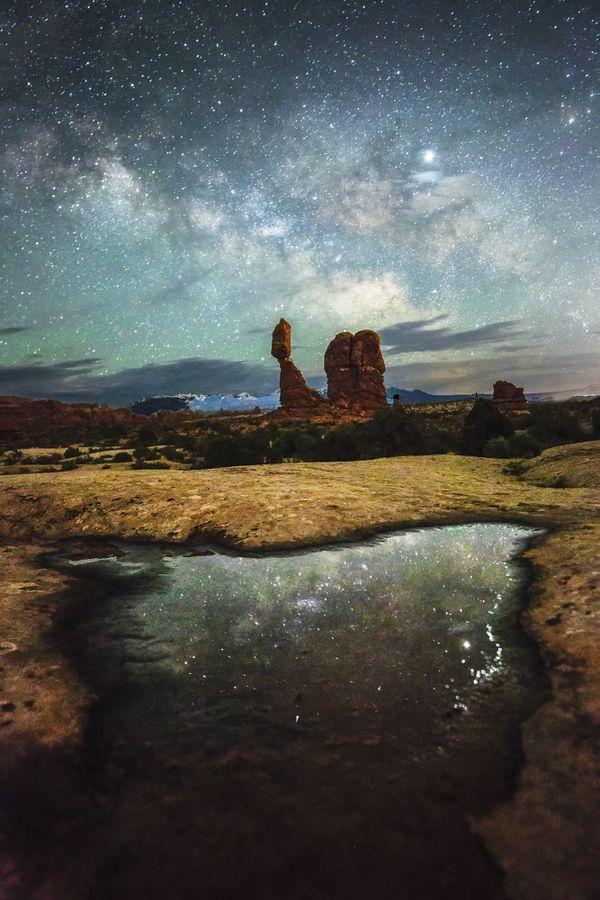 Balanced Rock and Milky Way thumbnail