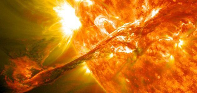 Sun's magnetic field flips