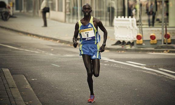 Wilson Kipsang running the 2010 Frankfurt Marathon