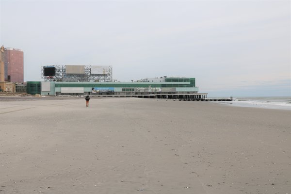 The beaches of Atlantic city in February thumbnail