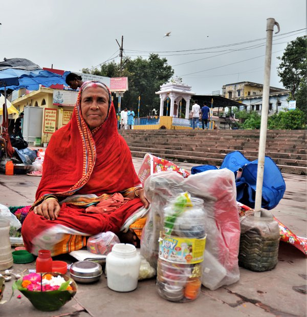 A Woman at the Ganges thumbnail