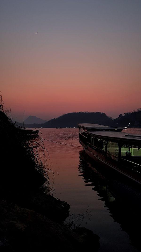 Sunset over Mekong river thumbnail