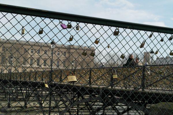 Love Lock Bridge thumbnail