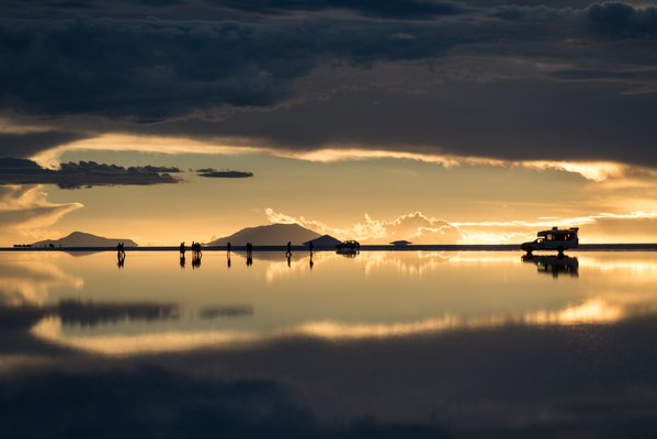 Hole in the sky - Sunset at Salar de Uyuni thumbnail
