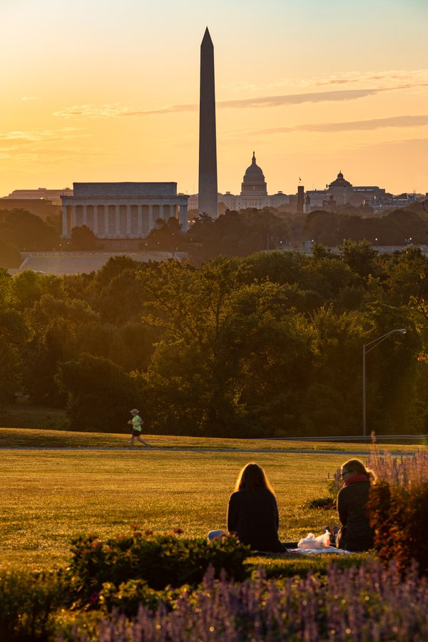 People out enjoying the morning sunrise over Washington, DC thumbnail