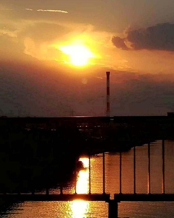 Sunset over Danube, Belgrade thumbnail