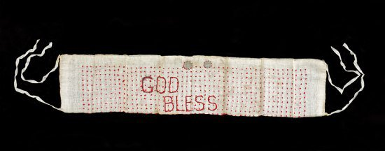 While held at the Poston camp in Arizona, Yasu Takei made this one-thousand-stitch sash to bestow good luck and protection to her son Jim Kuichi Takei, who was fighting with the 442nd in Europe. (NMAH)