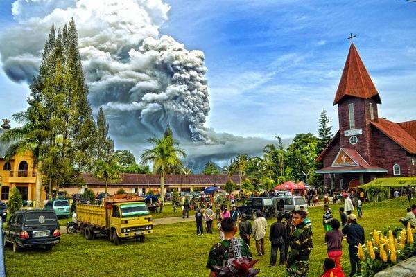 The Eruption of Sinabung Volcano thumbnail