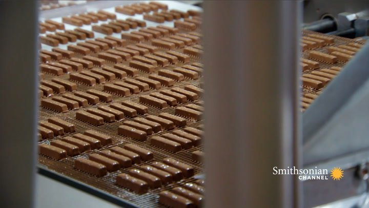 Preview thumbnail for video 'How They Get Chocolate to Cling Perfectly to a Toffee Finger