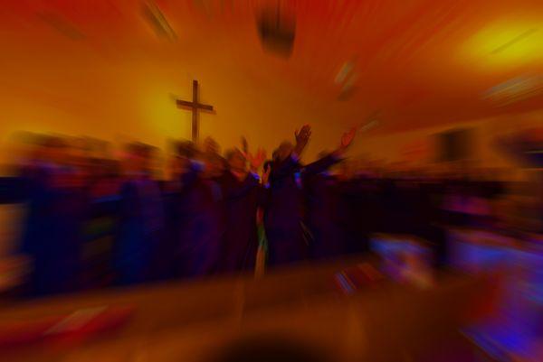Men's Choir Praising God thumbnail