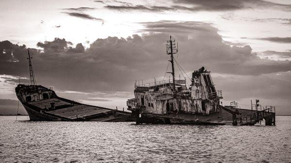 Shipwreck on the Black Sea coast thumbnail