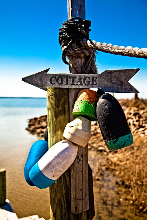 This way to cottage thumbnail